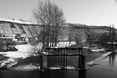 Wehr in Rosswag (henrik.schwarz) Tags: winter bw snow river germany vineyard canonef281353556is embankment wehr badenwrttemberg enz rosswag canoneos5dmarkii