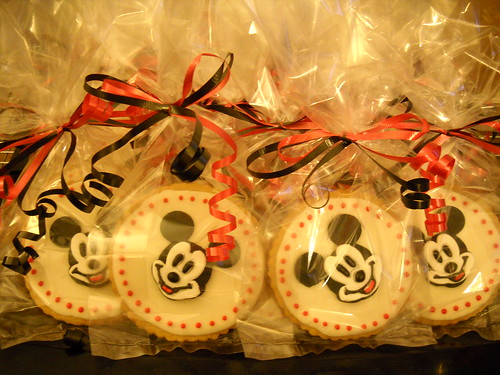 Mickey Mouse cookie favors for Danielle