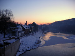 Sunset over River Ruhr (c-h-l) Tags: schnee winter sunset sky lake snow ice germany deutschland dawn frozen essen sonnenuntergang nrw dmmerung eis ruhr ruhrgebiet 2009 baldeneysee zugefroren platinumheartaward worldwidelandscapes