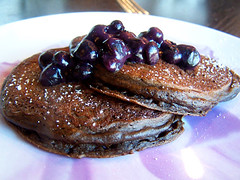 chocolate-banana-pancakes