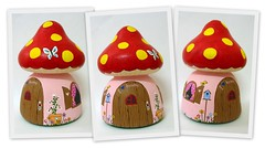 Casinha dos sonhos (Belle Bellica) Tags: house mushroom painting casa craft handpainted cogumelo pintura casinha smurfhouse