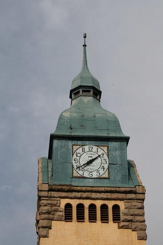 Clock Tower - German Clock (by niklausberger)