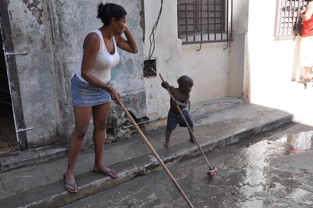 Cuba: fotos del acontecer diario - Página 6 3297128549_6545526665_b