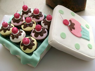 mini cupcakes box