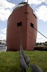 Bow + Anchor Chain (Brett Lakanen) Tags: minnesota 4thofjuly duluth canalpark williamairvin ironoreboat