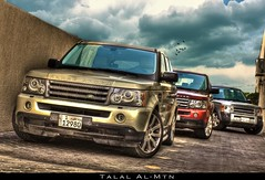 The Luxury * (Talal Al-Mtn) Tags: red green cars car sport gold 4x4 rover land kuwait landrover range rangerover rangeroversport q8 lr3 رنج alrawda رنجروفر لاندروفر ديسكفري talalalmtn رنجسبورت