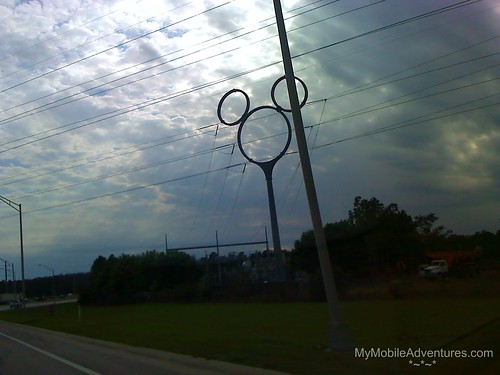 02-20-08_1526-roadside-hidden-Mickey