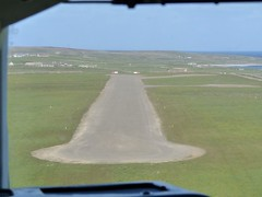 Landing 2 Minutes Later On Papa Westray (orquil) Tags: scotland orkney may aerial loganair guinnessbookofrecords papawestray visitorattraction orcades fz28 aerialexcursion shortestscheduledflight
