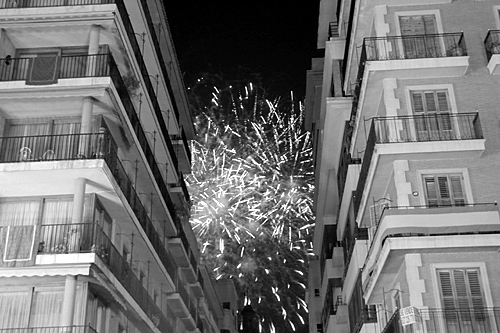 black-and-white-firework