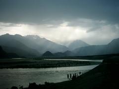 "INDUS RIVER, SKARDU ""PAKISTAN"" (TARIQ HAMEED SULEMANI) Tags: tourism north 2009 tariq indus indusriver skardu soban hajra concordians scanpicture sulemani nothernpakistan kharpachufort kharpachufortskardu"