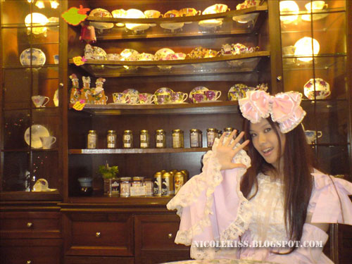 pink lolita and tea sets
