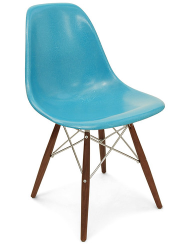 Fiberglass chair w/ swivel base