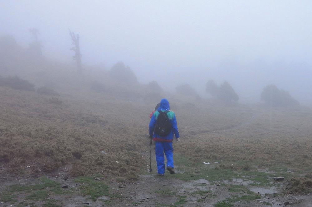南湖大山day4-02 雨中行