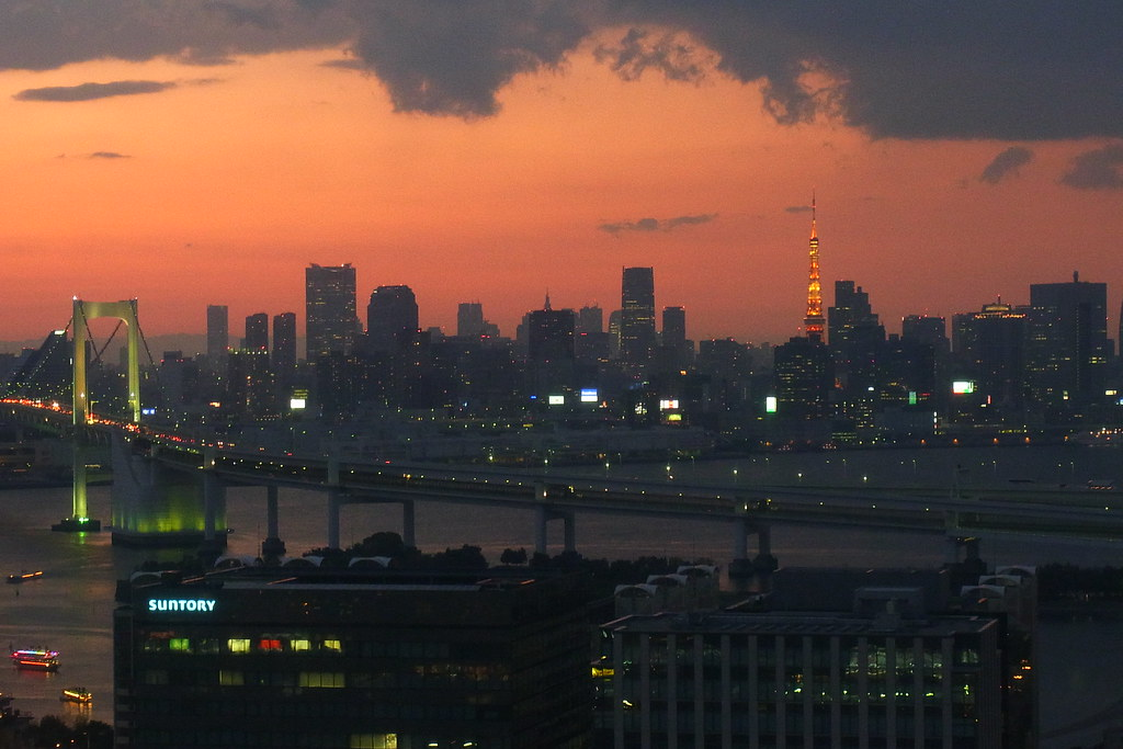 Tokyo Tower and Rainbow Bridge from daikanransha 2