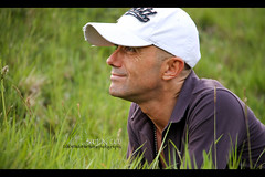 spring (Paolo Martinez) Tags: portrait blur hat frames paolo outdoor netro 18200mm peopleenjoyingnature shotbyclo