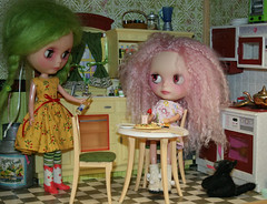 1 of 7 Floss's adventures at Sunnyday Blythe Towers