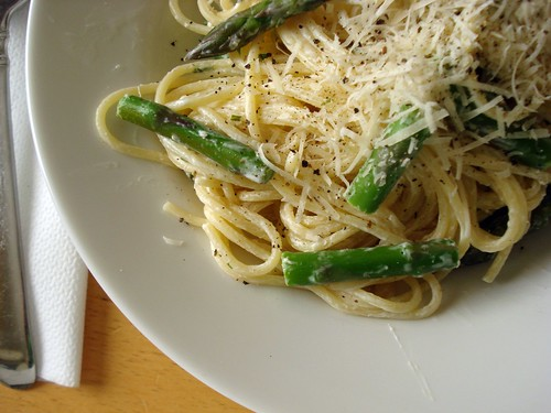 asparagus and creamy pasta