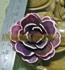 klobot bunga mawar tanggung hiasan pingggir