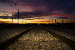 No train ... (Perolo Orero - www.orerofotografia.com -) Tags: life light sky orange woman sun get color love luz sol valencia colors train tren clamp atardecer cuerda hope mujer nikon flickr amor rail sombra colores via vida cielo shade rails late fx naranja processed esperanza strainer tweezers railes colador prudent pinzas pinza tendedero orero procesado nikon20mm28 d700 perolo nikon247028 manolorero tff1