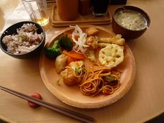 八菜 ランチブュッフェ