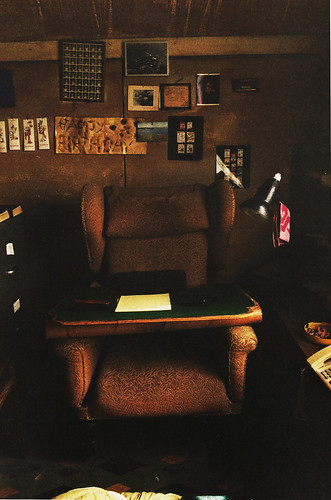 Roald Dahl's writing shed, writing chair and tablet