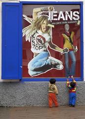 Window Shopping (Mondmann) Tags: mannequin peru window southamerica shop retail cuzco kids children store display cusco ad jeans toddlers criancas windowshopping canonpowershotg10
