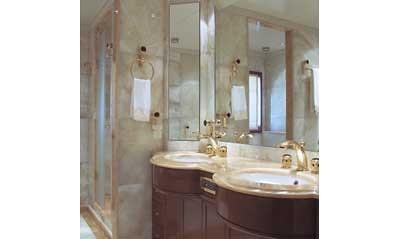 luxuryyacht charteryacht omegayacht yachtbathroom