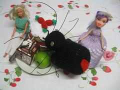 barbie and bratz,there okay (popppet) Tags: cake toys spider strawberry doll picnic crochet barbie bratz redback redbackspider toiletrollholder strawberryspongecake