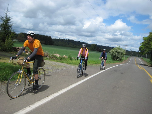 Riders on the Willamette Valley Scenic Bikeway, courtesy of the Oregon Parks and Rec.