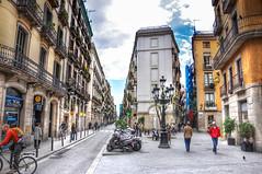 Barri Gòtic (Faddoush) Tags: barcelona street spain nikon hdr barri gòtic d90