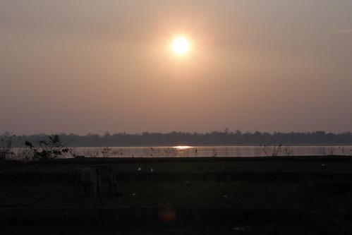 009.湄公河的日出 (5)