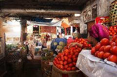 Tomatoes for sale (B_cool) Tags: surabaya mountbromo