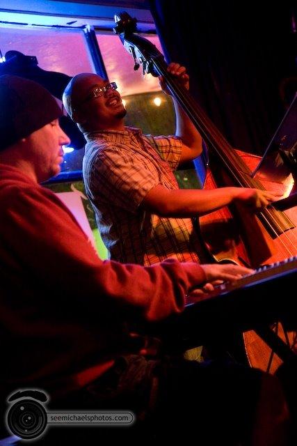South Park Bar and Grill Jazz Jam 52809© Michael Klayman-027