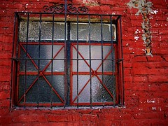 apparition inside? (msdonnalee) Tags: red rot window wall mexico rouge ventana pared rojo fenster ghost  vermelho explore finestra sanmigueldeallende rod mexique janela rosso fenetre mexiko redbrickwall venster   ifyouseeredshootit anawesomeshot  oldadobewall donnacleveland photosbydonnacleveland