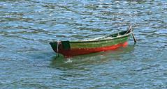 barca santa cruz (Darkmelion) Tags: españa santacruz familia ana coruña barca personas galicia fotos pontevedra transporte vehiculos oleiros cambados espaa corua