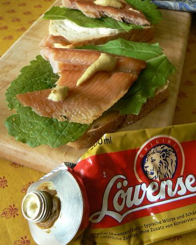 Löwensenf extra on smoked trout.