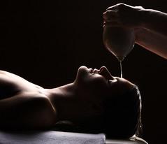Shirodhara Behandlung_Therapiewelt Therme Loip...