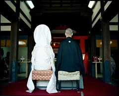 the ceremony (troutfactory) Tags: wedding white film japan mediumformat back couple shrine traditional ceremony  osaka kimono analogue 6x7 kansai japanesewedding    kodak160nc sumiyoshitaisha   hakima fujifilmgf670 voigtlanderbessaiii