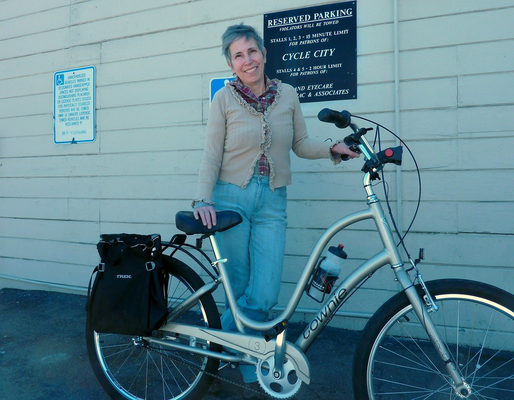 Ms. M and her Electra Townie 3i