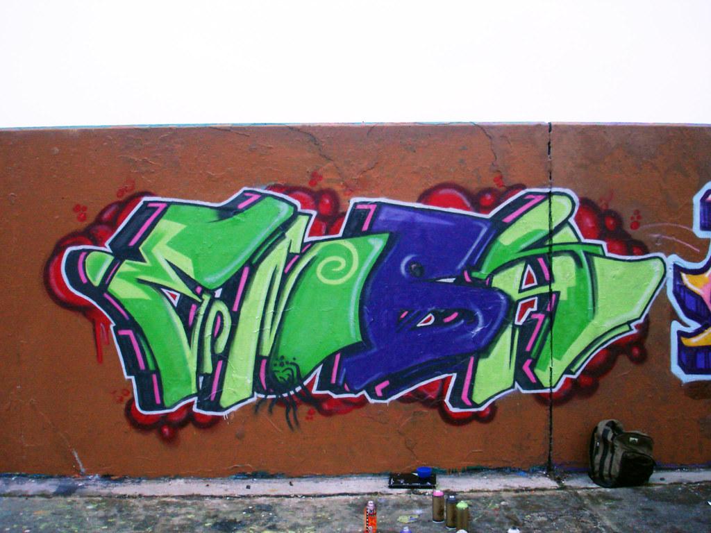 Graffiti wall chelmsford - Chelmsford 2009 Emba Tags Brown Wall Graffiti Bare Sick Essex 2009 Legal