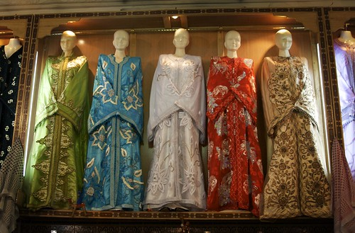 wedding dress designs with batik motifs typical of Indonesia