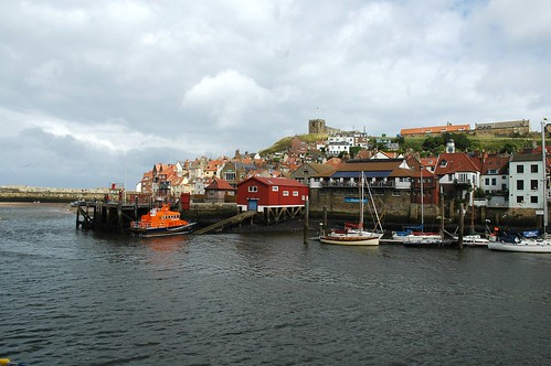whitby harbour - flckr - steve p2008