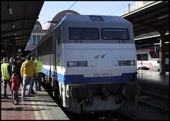 269.604 14.2.09 (Mariano Alvaro) Tags: train tren railway gato segovia gata mitsubishi especial 604 montes renfe 269 aafm