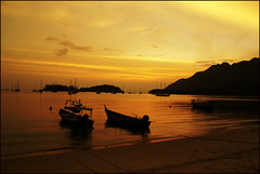 SUNSET MOOD (aman's) Tags: sunset beach island seaside sony malaysia langkawi a100 amans abigfave theunforgettablepictures alemdagqualityonlyclub