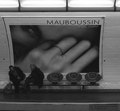 720 (pytheas2008) Tags: blackandwhite bw paris ads pub solitude loneliness noiretblanc metro homeless jewels sdf contrasts biancoenero noirblanc gioielli solitudine socialissues senzatetto clochards joyaux societ constrasti urbansurvivors