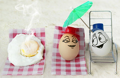 Eggbert 'Casanova'... (RR) Tags: food white playing face goofy ink fun with emotion egg humor cartoon heat eggs oval huevo casanova ei scarred oeuf ovo yumurta eggbert partofthe theeggventures ofeggbert playingloveseductionbeachumbrellawithfood spreadhumorcoalition brincandocomacomidablog