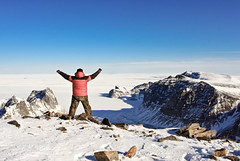 GERONIMO (Villi.Ingi) Tags: winter sky mountain man high top altitude arctic greenland getty gettyimages grænland gettyx nonnitravel