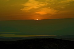 DEAD SEA  sunrise Passover 8.4.2009 (A   M) Tags: sea sun mountains sunrise dead desert blessing moab isreal ישראל arad judea passover פסח 이스라엘 ים המלח birkat החמה 땅에 842009 hachama הנץ