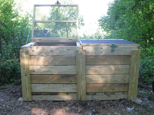 build wood compost bin