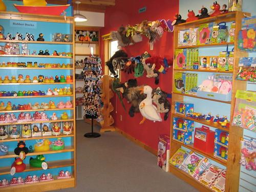 Lark Toys store